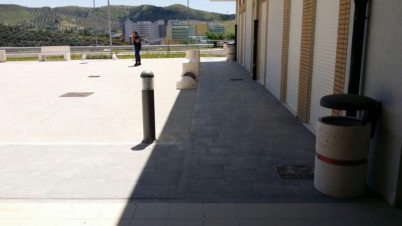 Panchine e fioriere in cemento presso Università Magna Graecia a Germaneto, Catanzaro