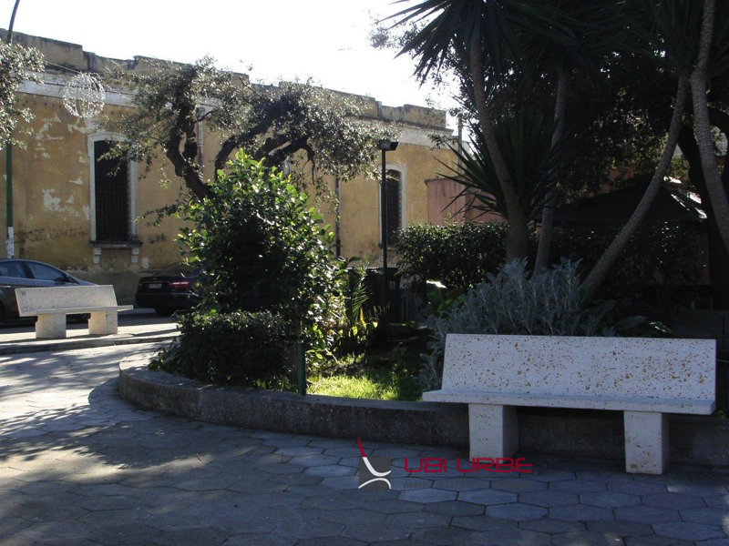 Panchine in Villa a Supersano Lecce