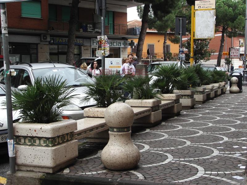 Fioriere in Santa Maria delle Mole, Comune di Marino