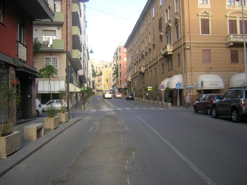 Panchine e Fioriere a Cagliari Via Alghero