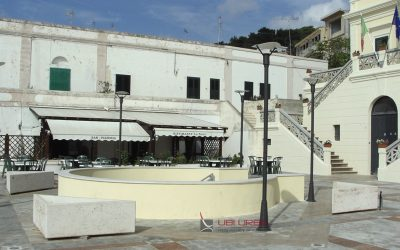Comune di Santa Cesarea Terme fioriere triangolari